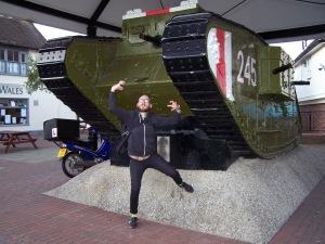 Tank póza 1
