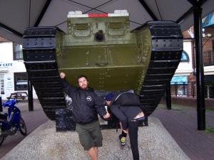 Tank póza 2