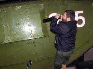 Tank póza 3