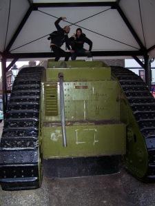 Tank póza 6