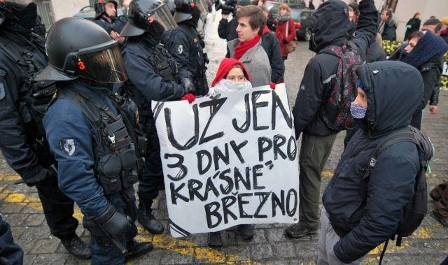 ČR-menšiny-Romové-protest-Ústí n.L.-2